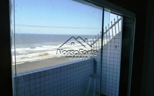 kitão frente ao mar no boqueirão em praia grande