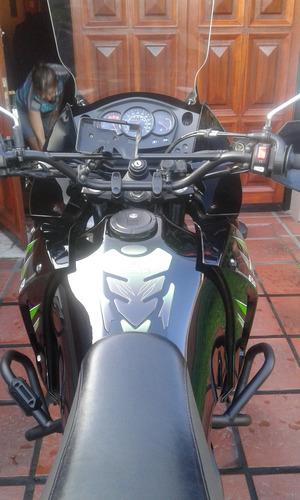 klr 650 color negro y verde