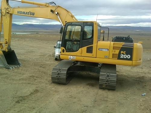 komatsu pc200 2011 5500 hs de uso, servicios al dia, nueva