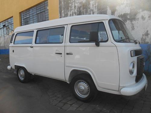 kombi 1.4 flex 9 passageiros