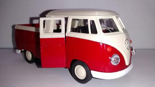 kombi cabine dupla com carroceria vermelha