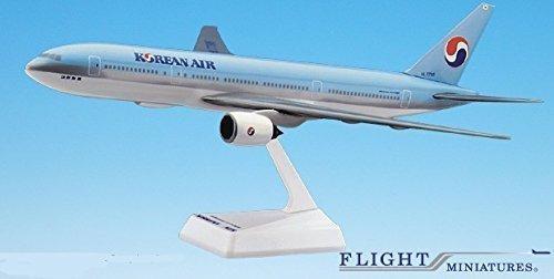 korean air (84-cur) 777-200 airplane miniature model snap f