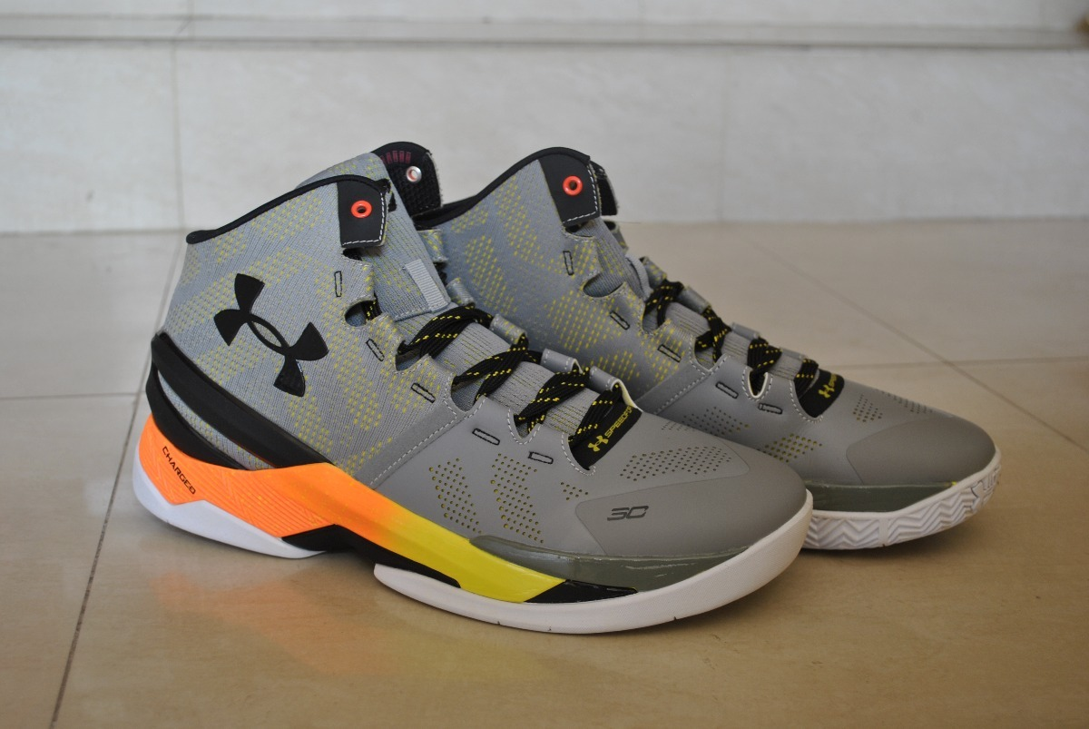 4beef045b3a ... discount code for kp3 under armour stephen curry clutchfit drive 2 gris  naranj. cargando zoom
