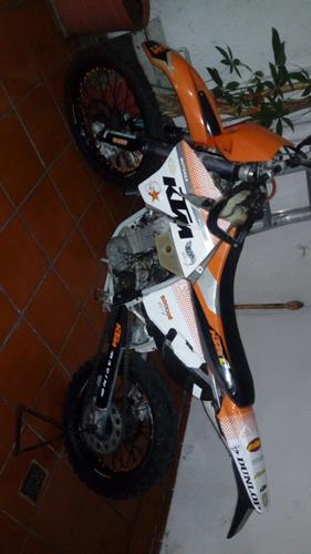 ktm 400 exc doble propósito 2002 naranja con blanco