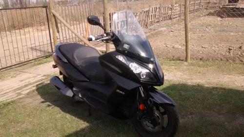 kymco downtoun 300 cc