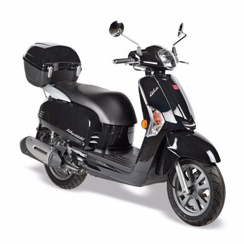 kymco like 200 scooter