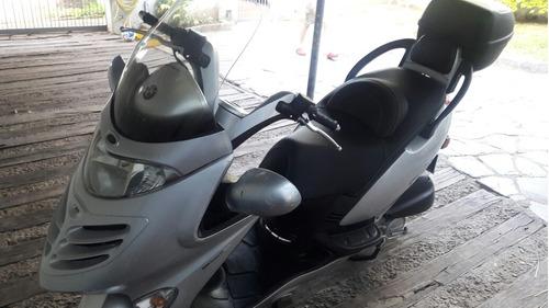 kymco scooter 150 grand dink , para ruta o ciudad.excelente