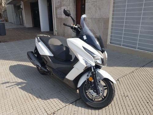 kymco scooter x town 250 inyeccion 2019 con 400kmts como okm
