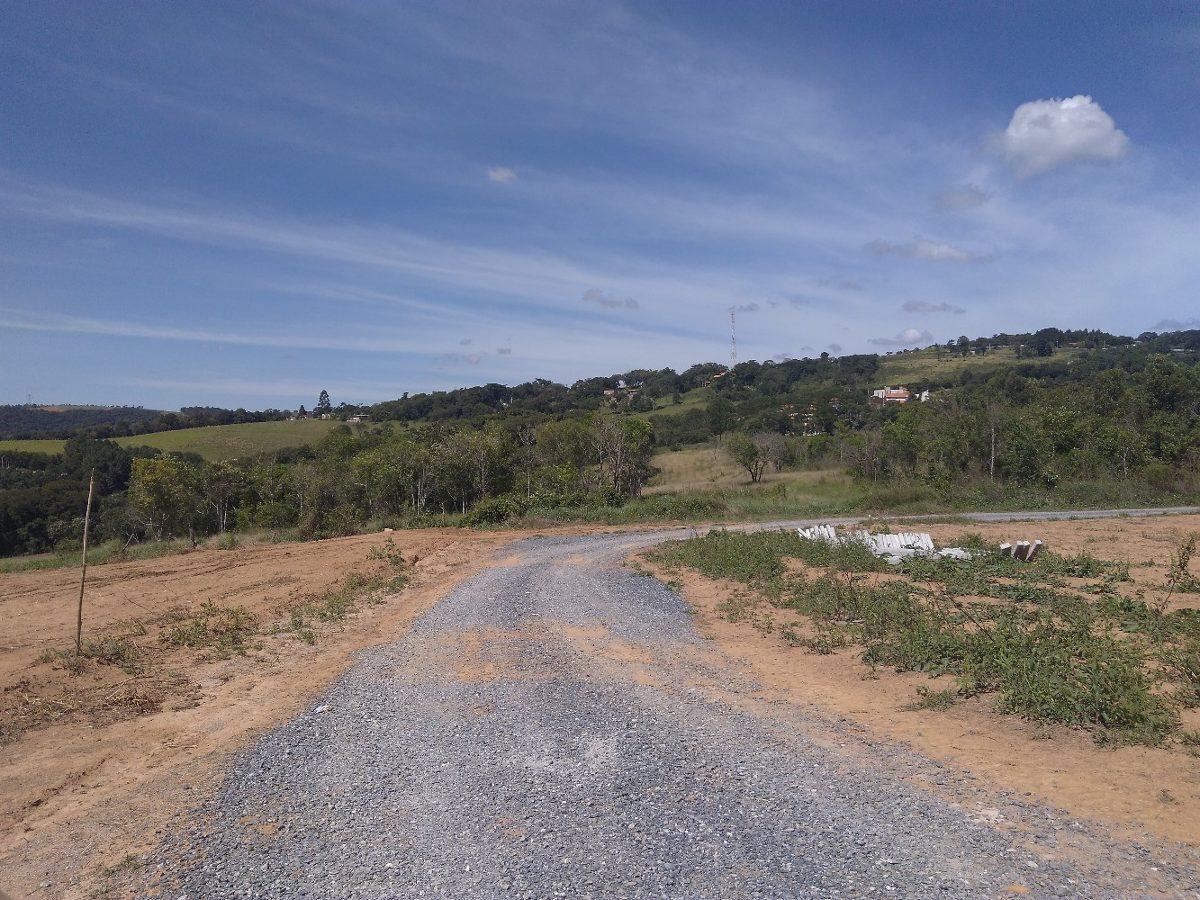 l 1.000 m² pronto para construir em ibiúna com portaria.