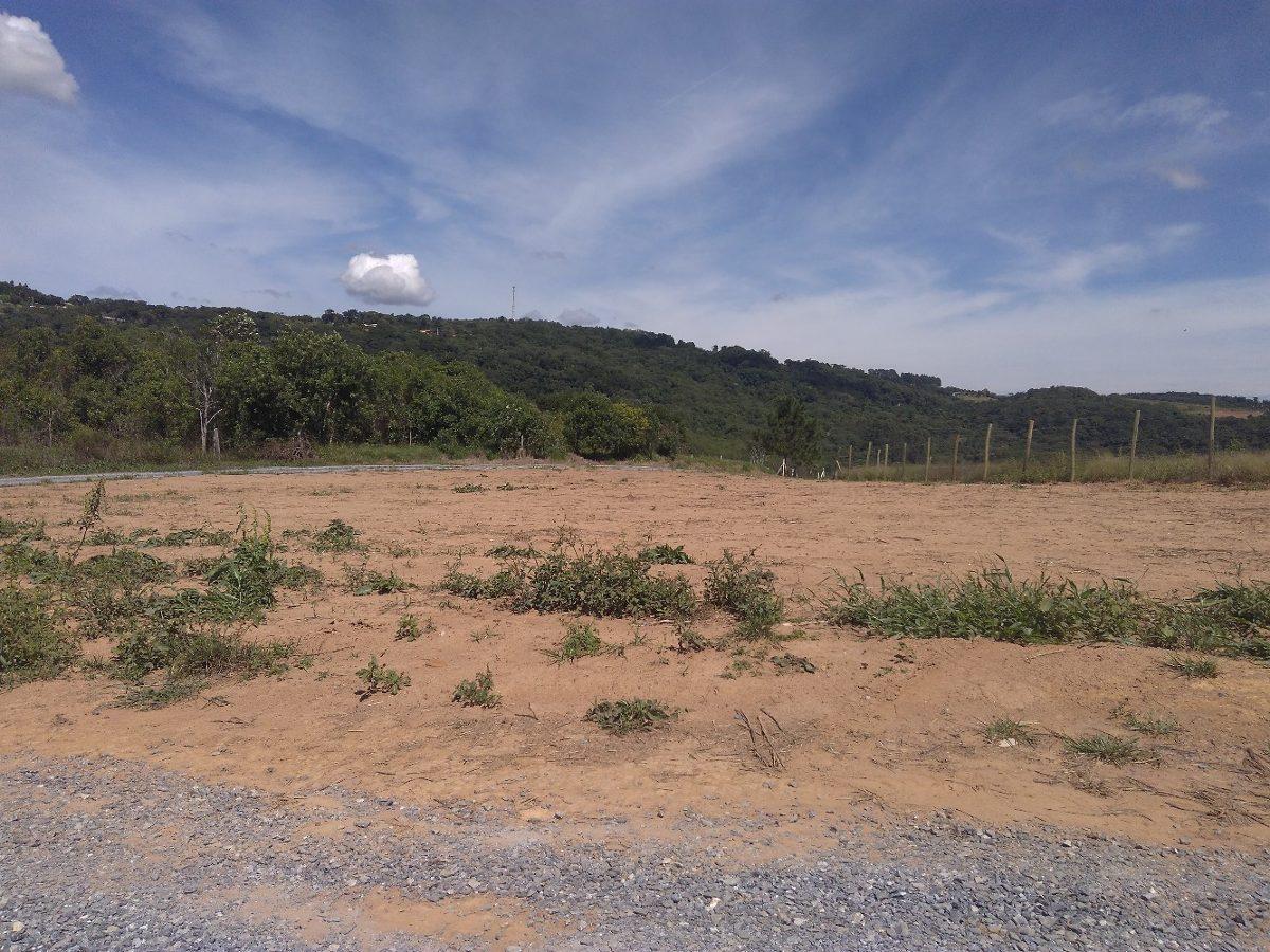 l 1000 m² pronto para construir em ibiúna com portaria