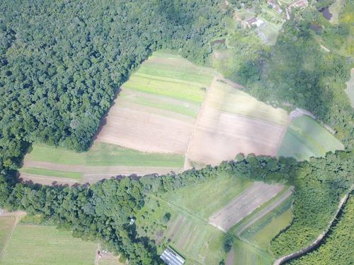 l. lançamento em ibiúna 1200m próximo a cachoeiras.