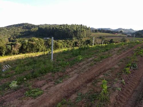 l. terrenos em ibiúna bem planos. perto do centro