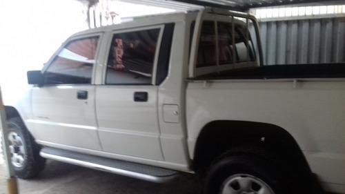 l200 gl 4x4 cabine dupla  direçao  som ambiente  pneus borra