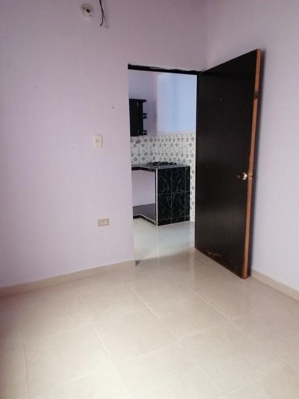 la casa consta de 3 habitaciones, sala comedor, cocina, baño