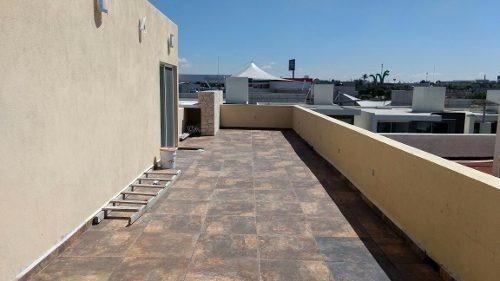 la cima, 4 recámaras, 4.5 baños alberca, 3pisos, roof garden