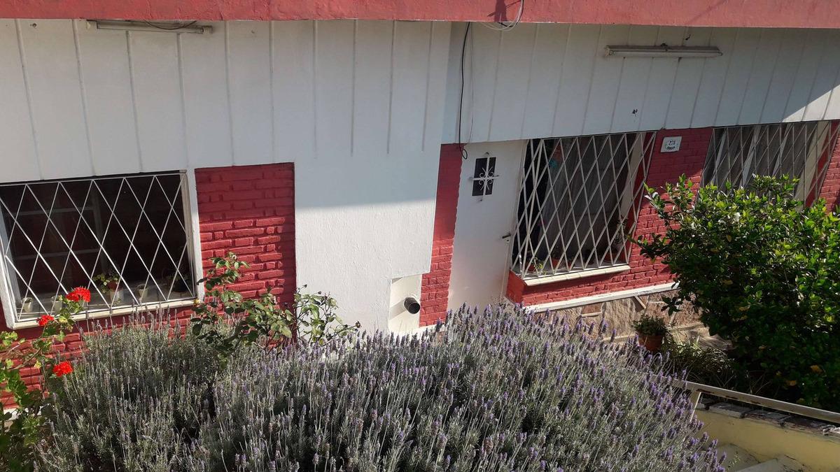 la falda casa en barrio villa parque a mts centro
