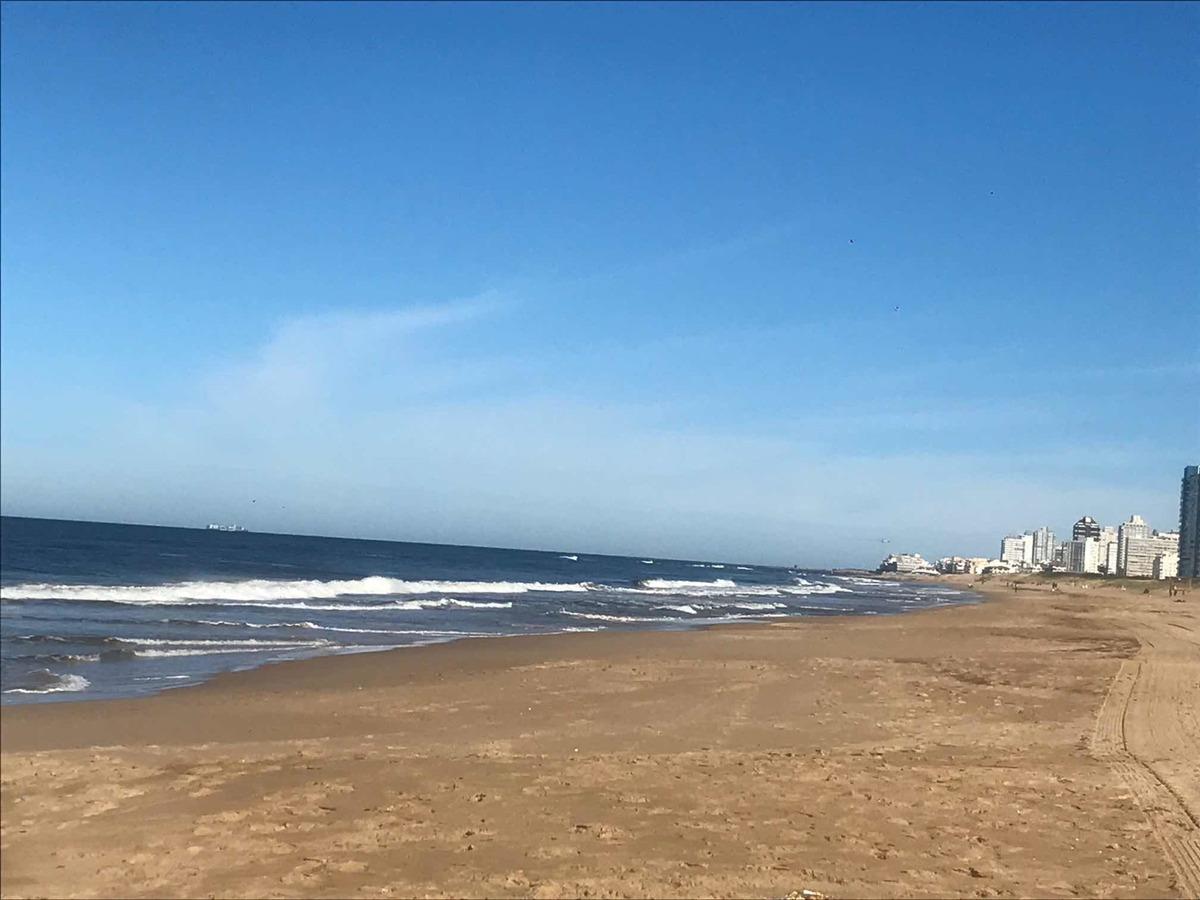 la mejor ubicación cerca de todo y de la playa, muy luminoso
