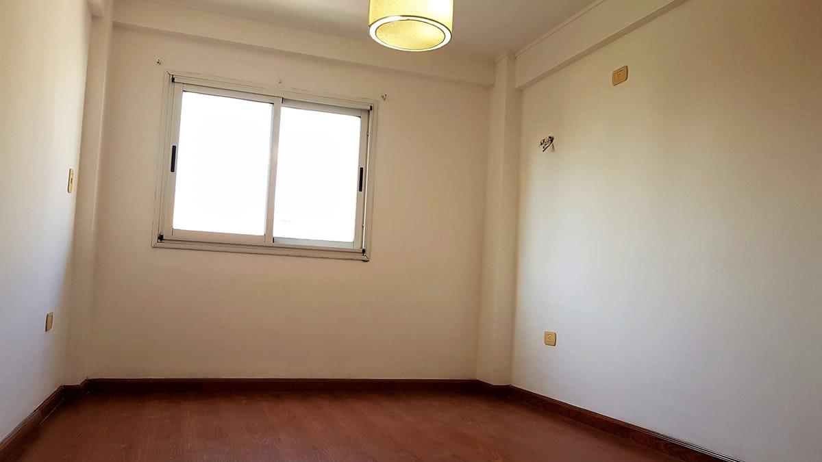 la plata departamento dormitorio con cochera 61 e/ 13 y 14