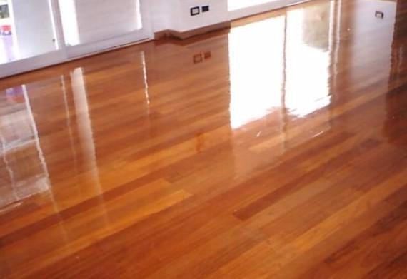 Laca poliuretanica para plastificar pisos de madera 1lt for Pisos de bar madera