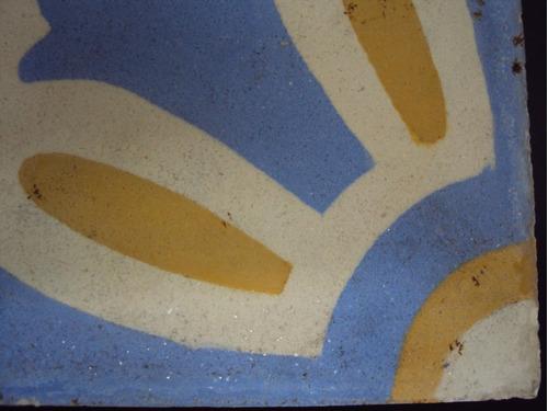 ladrilho (s) hidráulico antigo cores branco, amarelo e azul