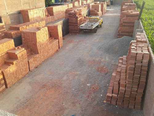 ladrillos pasteleros piramide puesto obra por millar