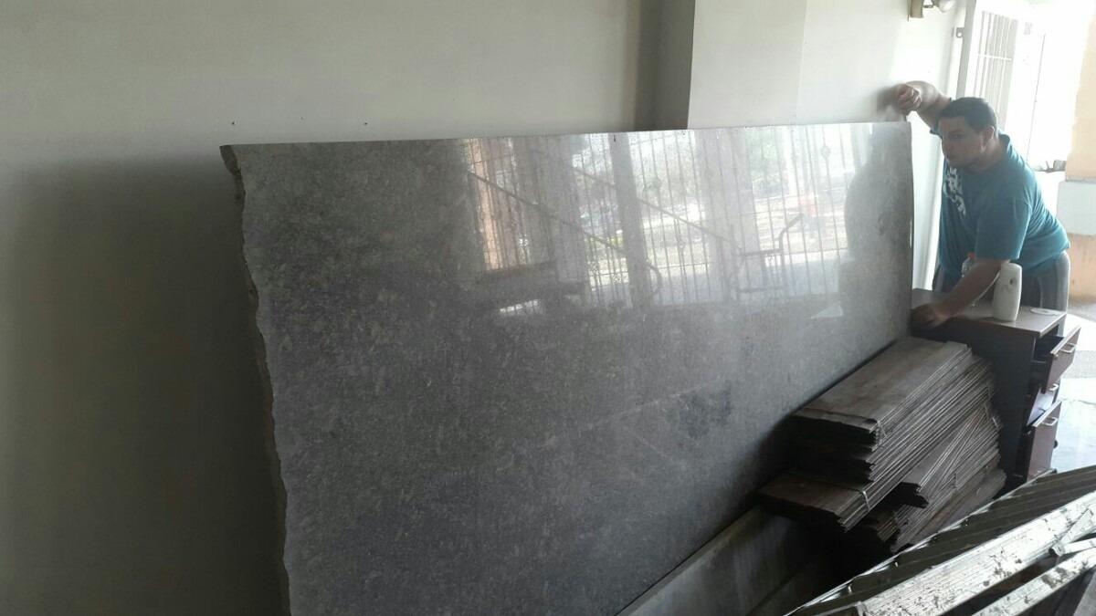 L mina de granito nacional color gris leona bs for Precio granito gris