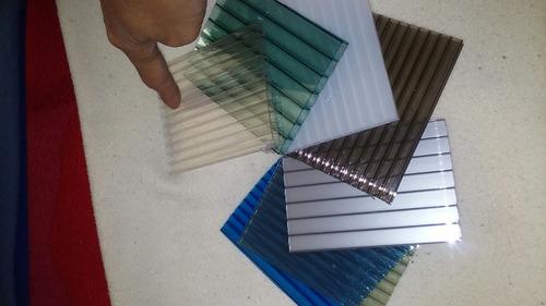 láminas de policarbonato  y  accesorios para la instalación