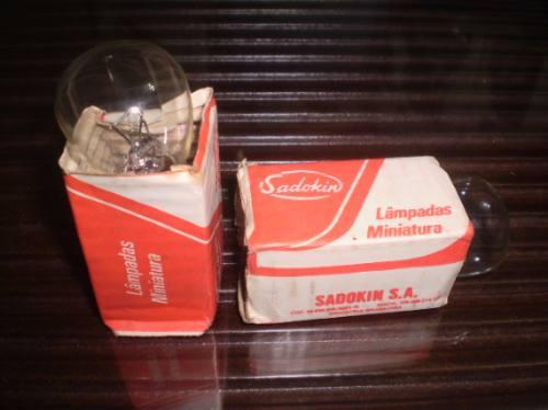 lampada de farol 6 volts p/ moto  sadokin. leia anuncio todo