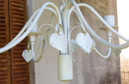 lampara/ araña de techo en hierro,muy buen estado en blanco