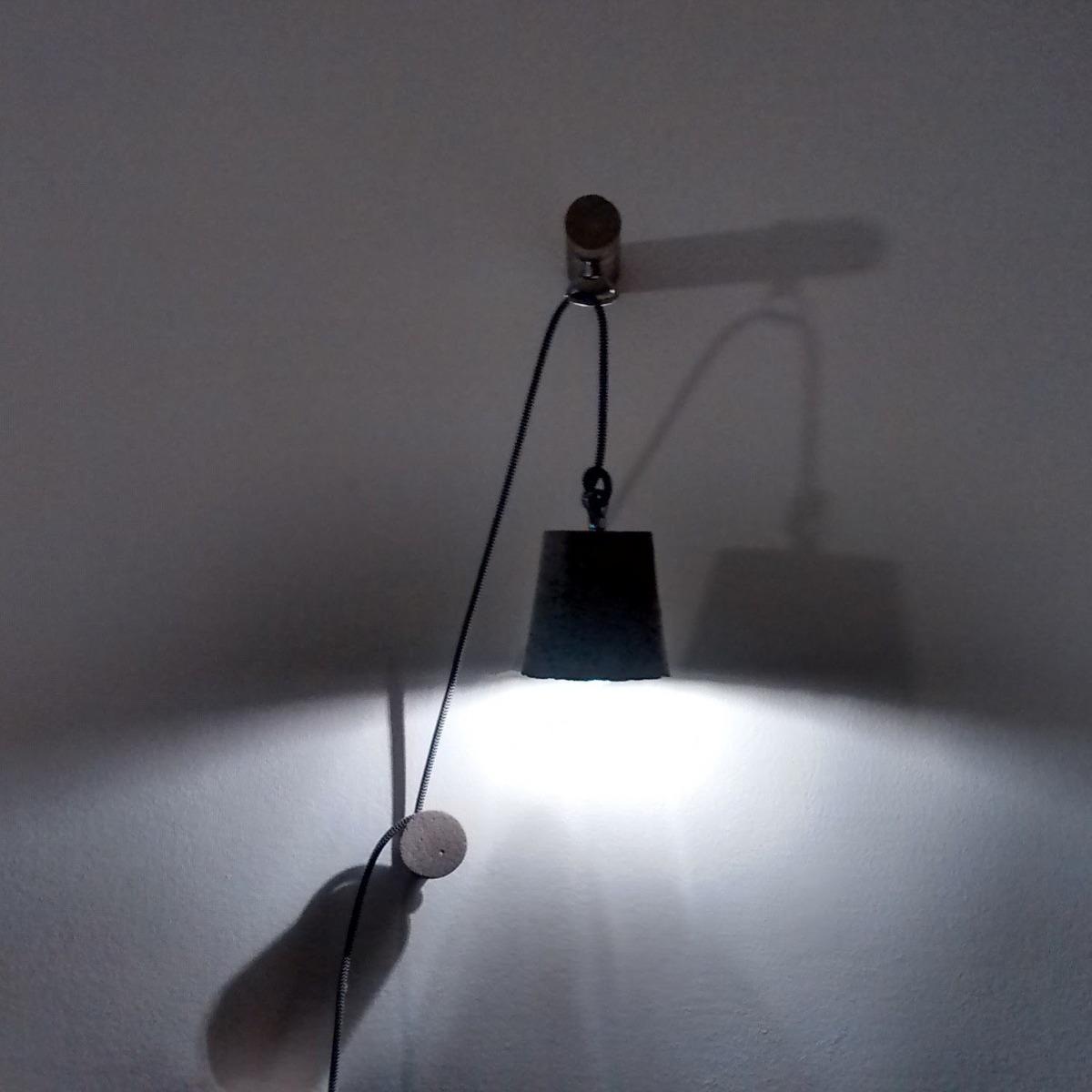 lampara colgante pared cemento diseo minimalista regulable cargando zoom