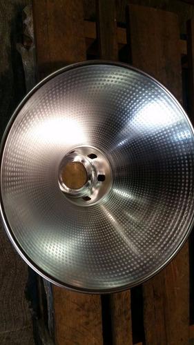 lampara de campana de aluminio de 14   con socate y fijacion