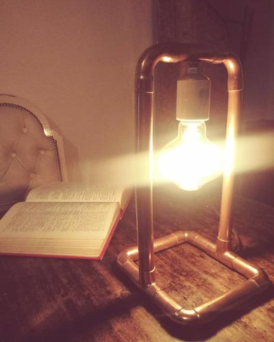lámpara de cobre estilo industrial
