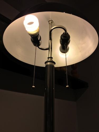 lámpara de diseño escribano banquero en acero