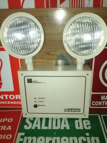 lámpara de emergencia marca sovica de 2 faros.plástica conde