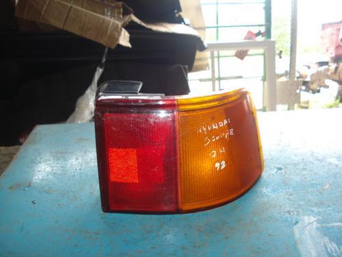 lampara de hyundai scoupe 1992