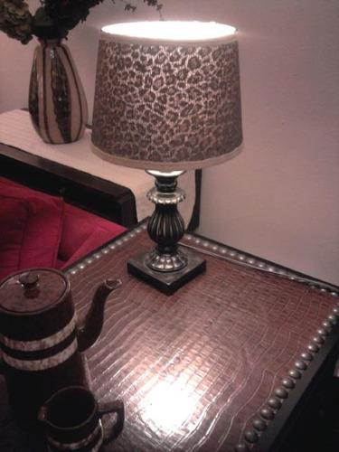lampara de mesa metalizada pantalla animal print