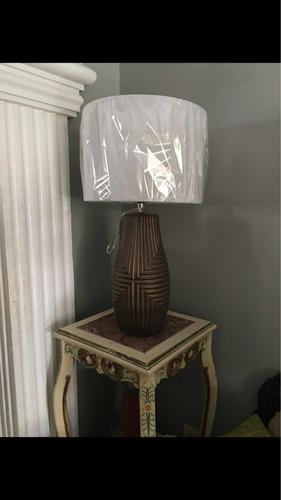 lampara de mesa nueva