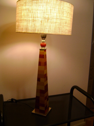 lámpara de mesa pintada a mano. exclusiva!!!!  61 cm