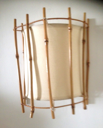 lampara de pared en bambu filipino y loneta