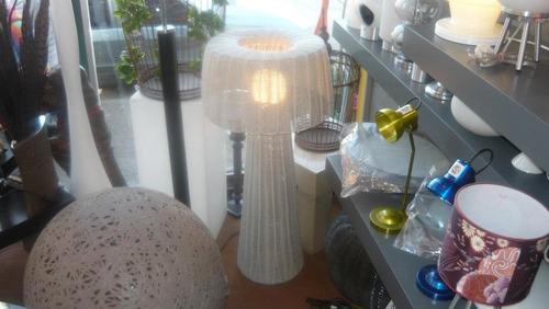 lampara hongo en mimbre sintetico - tecnologia pet
