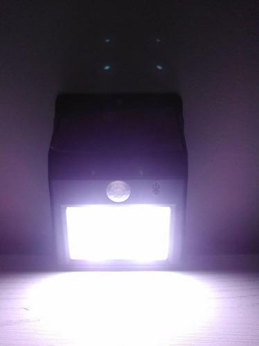 lámpara led solar exterior con sensor movimiento