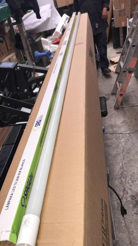 lámpara led tubo de 240 mts t8 36w 65k blanco