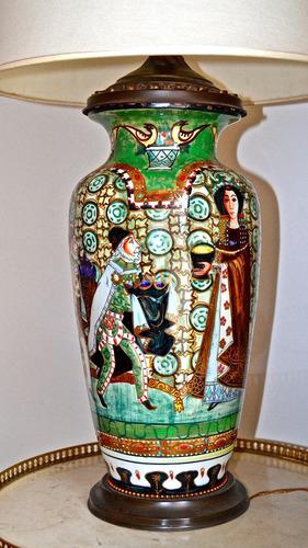 lámpara oriental pintada a mano escena medieval