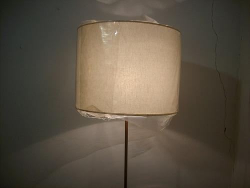lampara pie antigüa