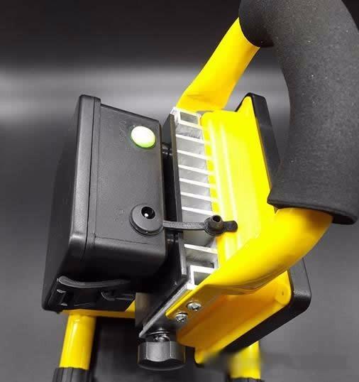 Lampara reflector linterna led 30w portatil y recargable - Linterna led recargable ...