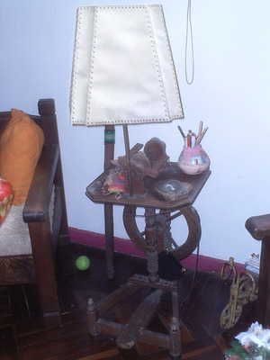 lampara rueca de madera rustica