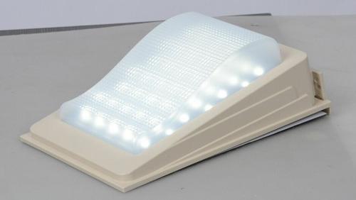 lampara solar para exterior luz continua