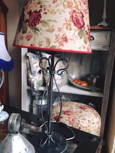 lampara tripode, hierro forjado,fabrica,iluminacion,pantalla