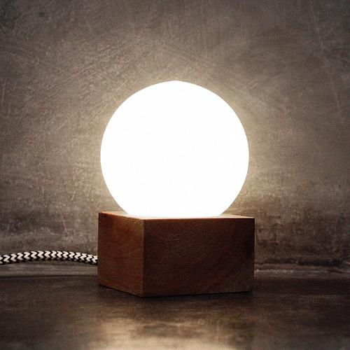 lámpara velador madera nórdico julia klik iluminación