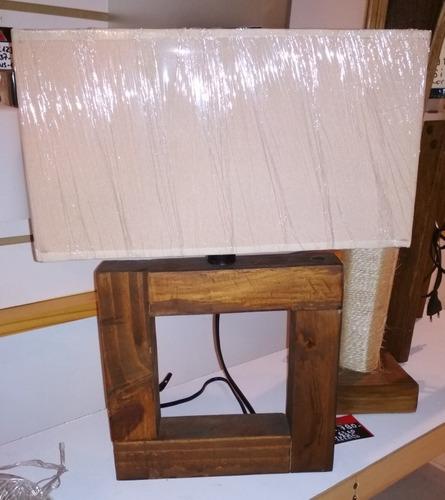 lámpara veladora portátil madera artesanal cuadrada.